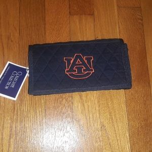 Auburn Crossbody Wristlet Purse NWT great gift!